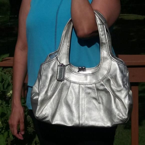 Coach Handbags - *Firm Price* Coach Leather <Kiss-Lock Handbag